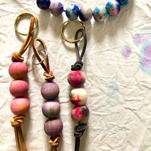 Dyed Beadwork: Make a Key Chain